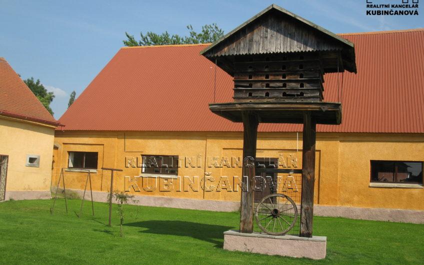 Rodinný dům 8+1 se zemědělským stavením